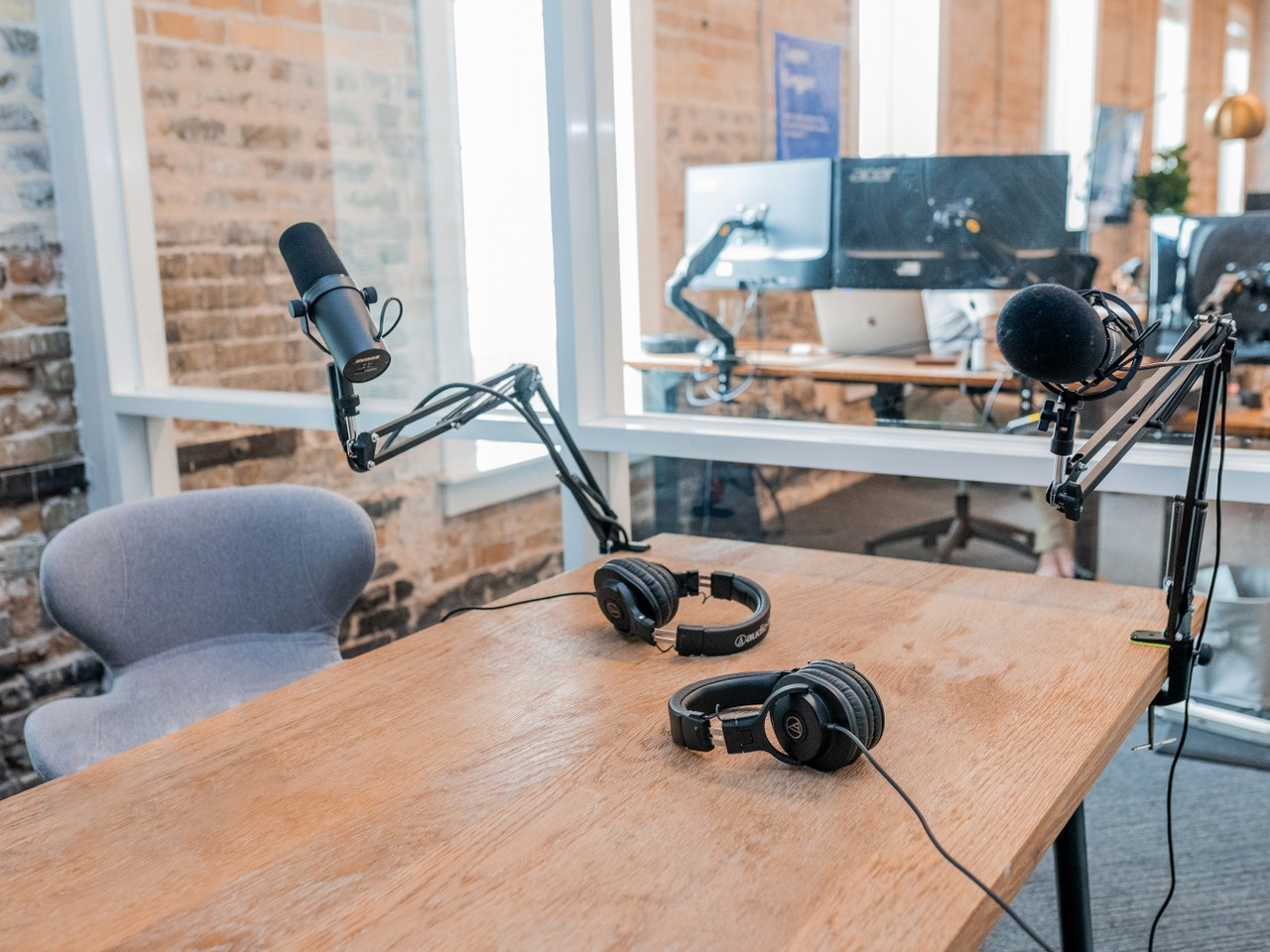 How to Start a Podcast - A Step-By-Step Guide to Recording and Publishing